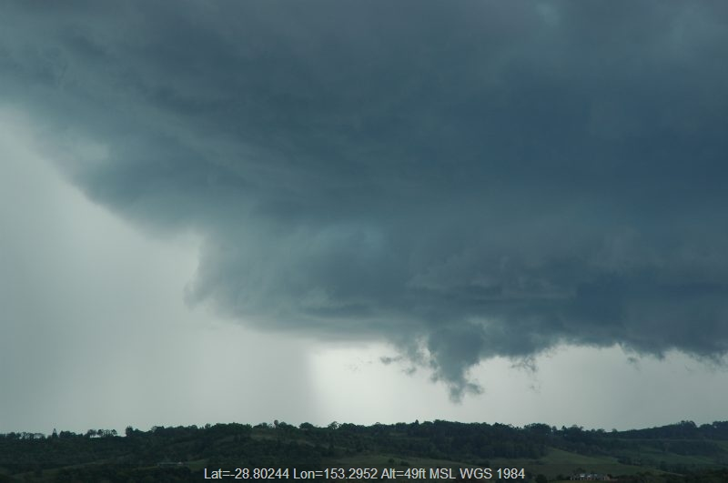 20051129mb12_thunderstorm_base_near_lismore_nsw