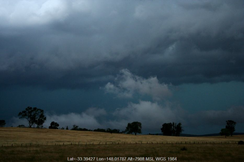 20060115jd03_thunderstorm_base_e_of_forbes_nsw