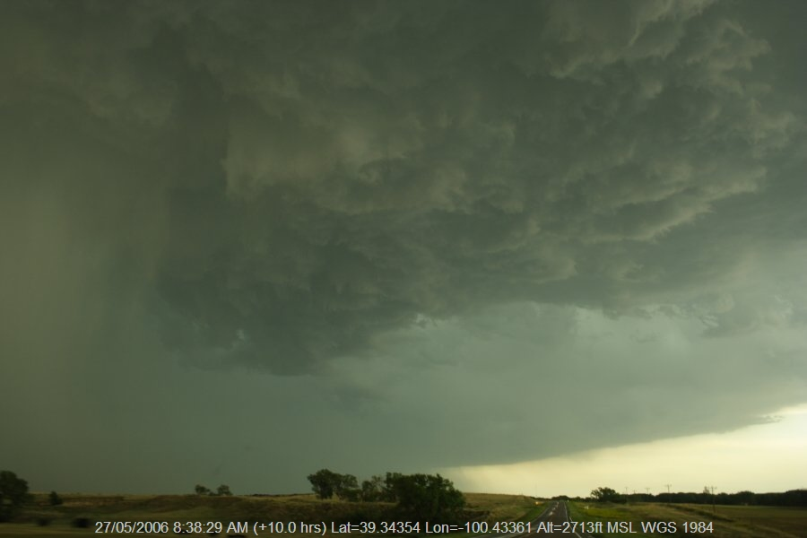 20060526jd11_thunderstorm_base_sw_of_hoxie_kansas_usa