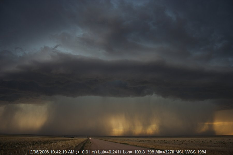 20060611jd24_thunderstorm_base_s_of_fort_morgan_colorado_usa