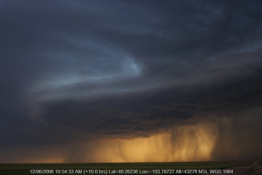 20060611jd28_thunderstorm_base_s_of_fort_morgan_colorado_usa
