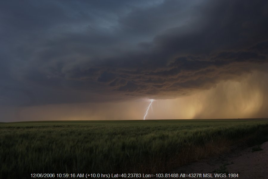 20060611jd29_thunderstorm_base_s_of_fort_morgan_colorado_usa