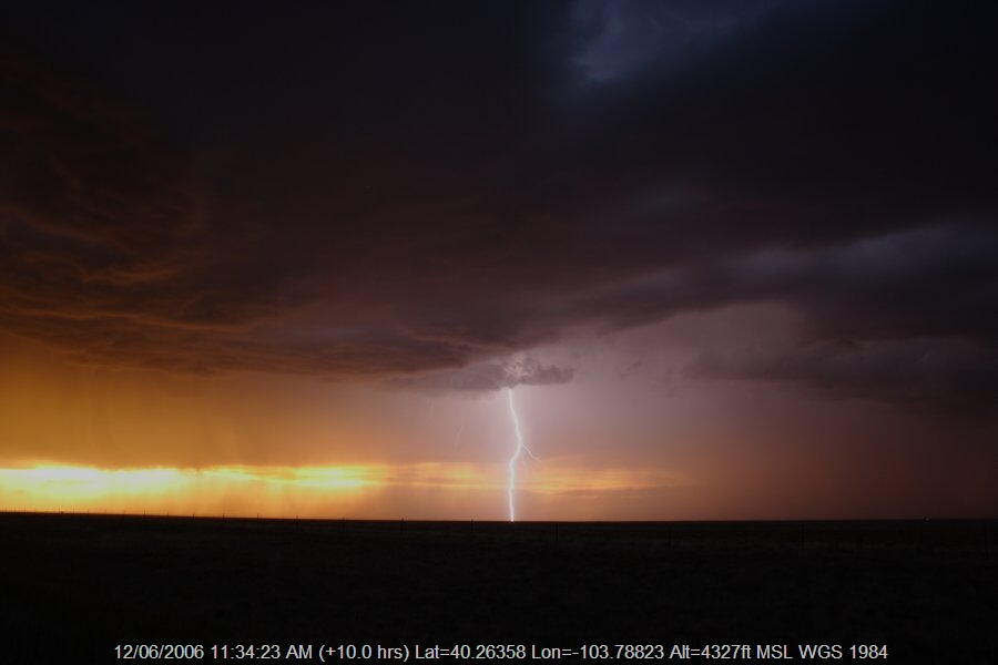 20060611jd52_thunderstorm_base_s_of_fort_morgan_colorado_usa