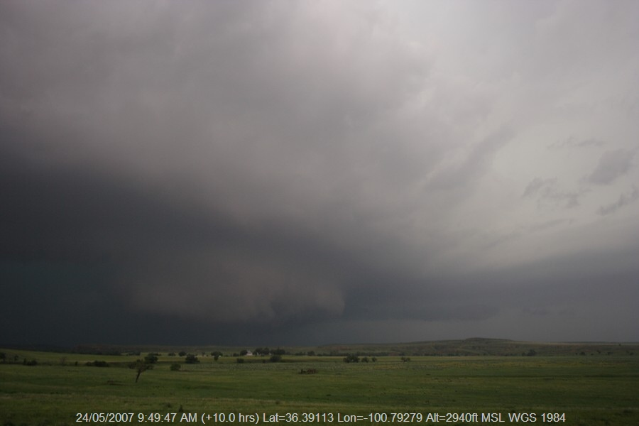 20070523jd47_thunderstorm_base_se_of_perryton_texas_usa
