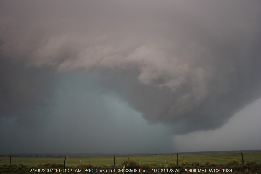 20070523jd51_thunderstorm_base_se_of_perryton_texas_usa