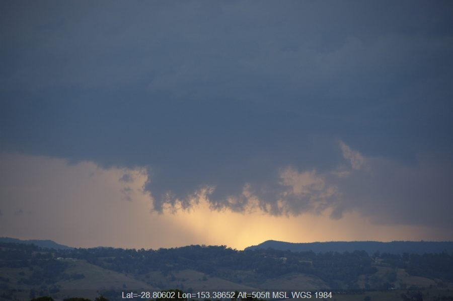 20080517mb12_thunderstorm_base_mcleans_ridges_nsw