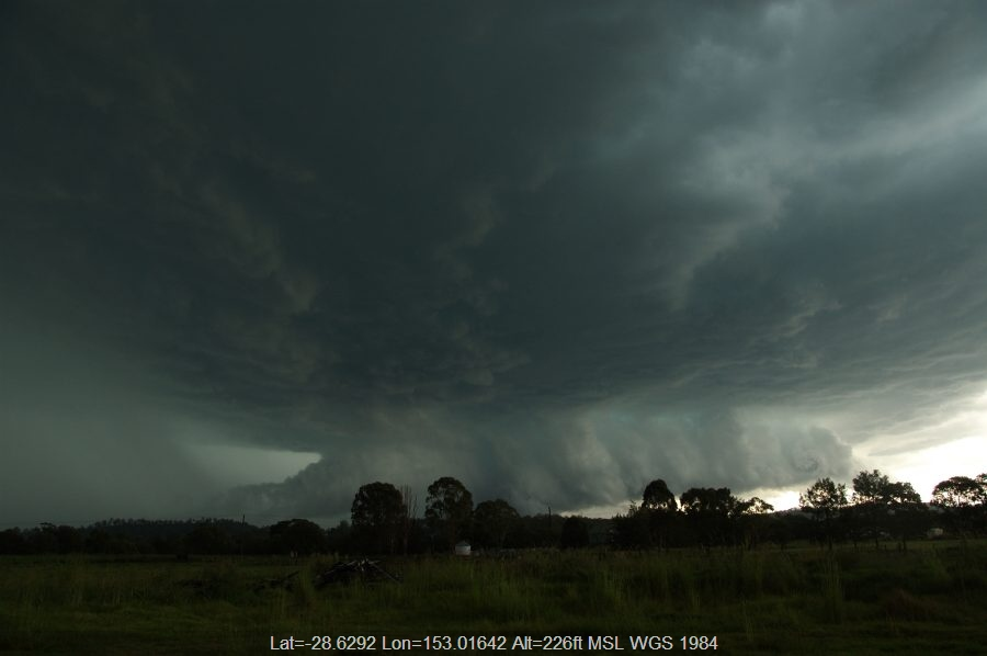 20081224mb11_thunderstorm_base_kyogle_nsw