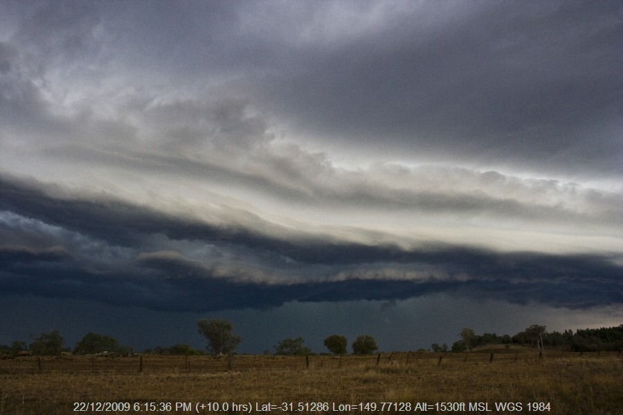 20091222jd64_thunderstorm_base_bomera_nsw