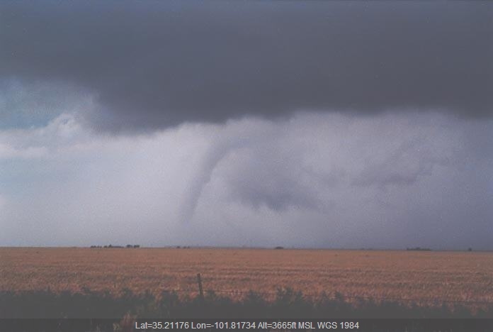 20010529jd16_supercell_thunderstorm_n_of_amarillo_texas_usa