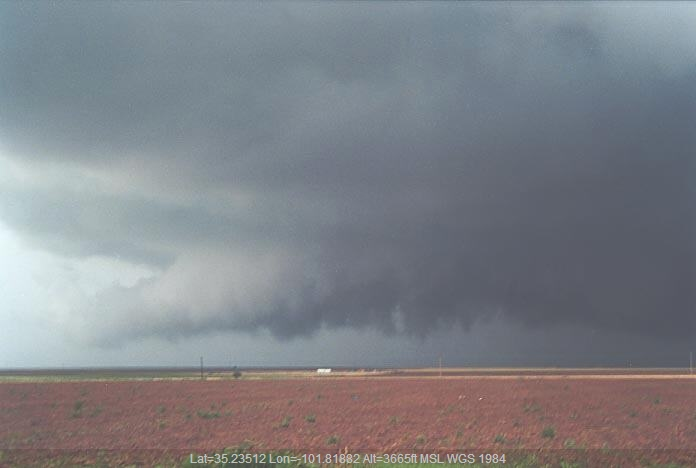 20010529jd17_supercell_thunderstorm_ne_of_amarillo_texas_usa