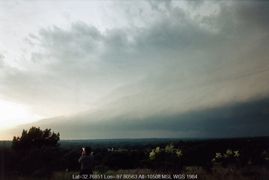 20040601jd01_supercell_thunderstorm_n_of_weatherford_texas_usa
