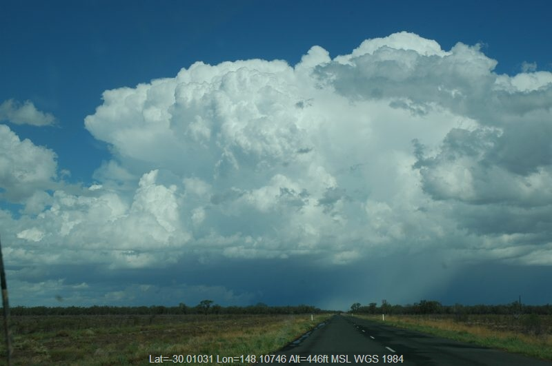 20041208mb081_supercell_thunderstorm_w_of_walgett_nsw