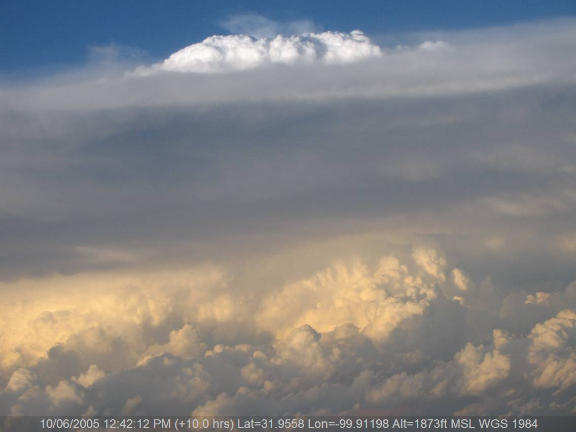 20050609jd07_supercell_thunderstorm_above_w_texas_usa