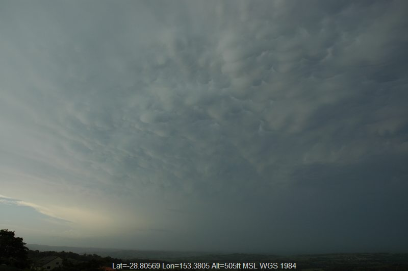 20051225mb16_supercell_thunderstorm_mcleans_ridges_nsw