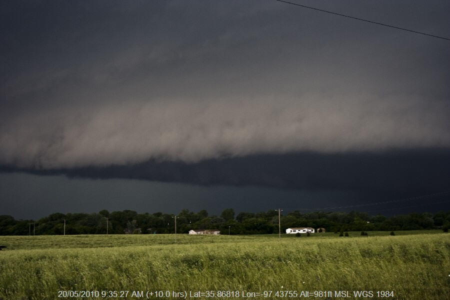 20100519jd48_supercell_thunderstorm_w_of_guthrie_oklahoma_usa