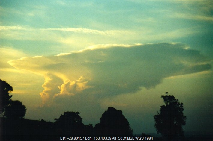 20001211mb04_thunderstorm_anvils_mcleans_ridges_nsw