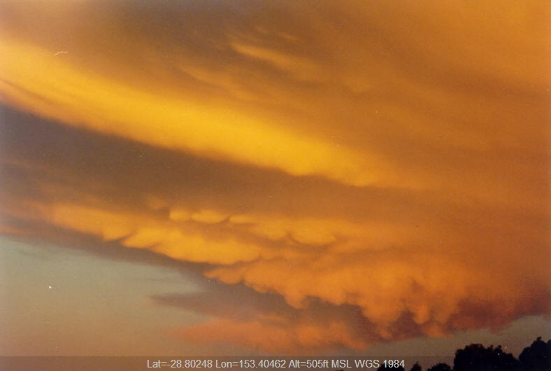 20031020mb27_thunderstorm_anvils_mcleans_ridges_nsw