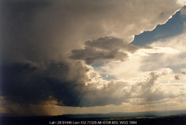20031025mb05_thunderstorm_anvils_mallanganee_nsw