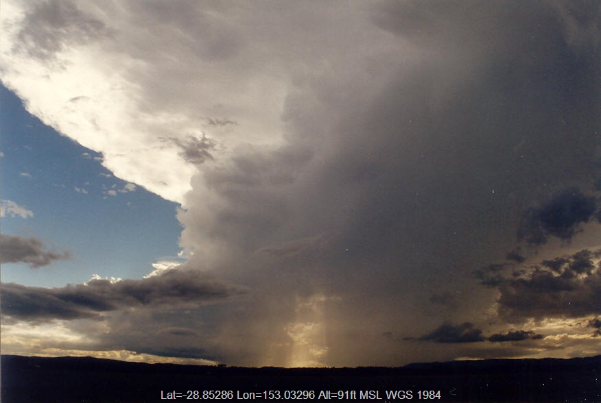 20040126mb10_thunderstorm_anvils_n_of_casino_nsw