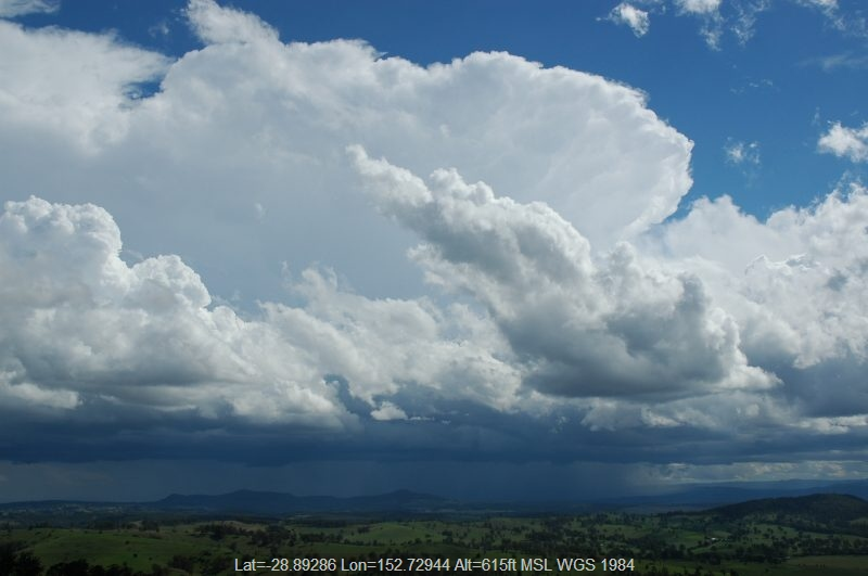20041109mb14_thunderstorm_anvils_mallanganee_nsw