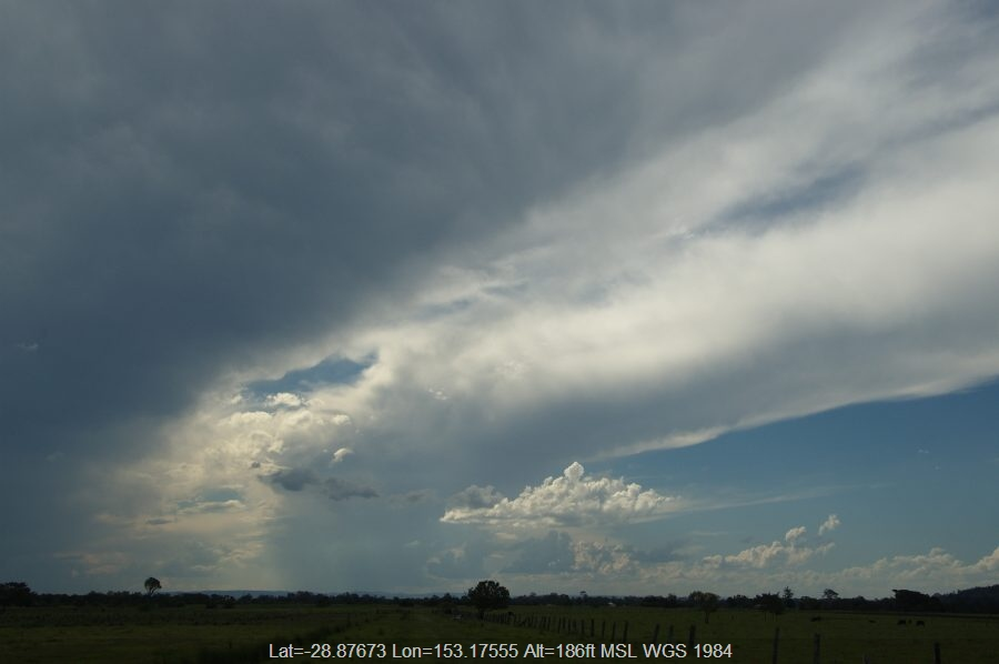 20081218mb14_thunderstorm_anvils_mckees_hill_nsw