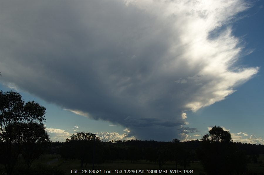 20090315mb05_thunderstorm_anvils_spring_grove_nsw