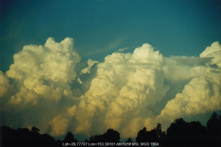 20000823mb12_thunderstorm_updrafts_mcleans_ridges_nsw