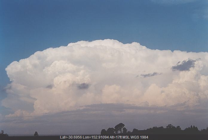 20011204jd38_thunderstorm_updrafts_macksville_nsw