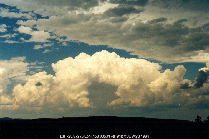 20011230mb12_thunderstorm_updrafts_n_of_casino_nsw