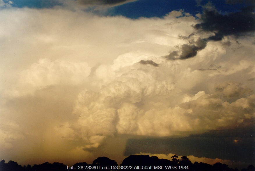 20040128mb08_thunderstorm_updrafts_mcleans_ridges_nsw