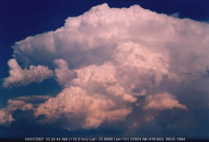 20040130jd02_thunderstorm_updrafts_near_manly_nsw