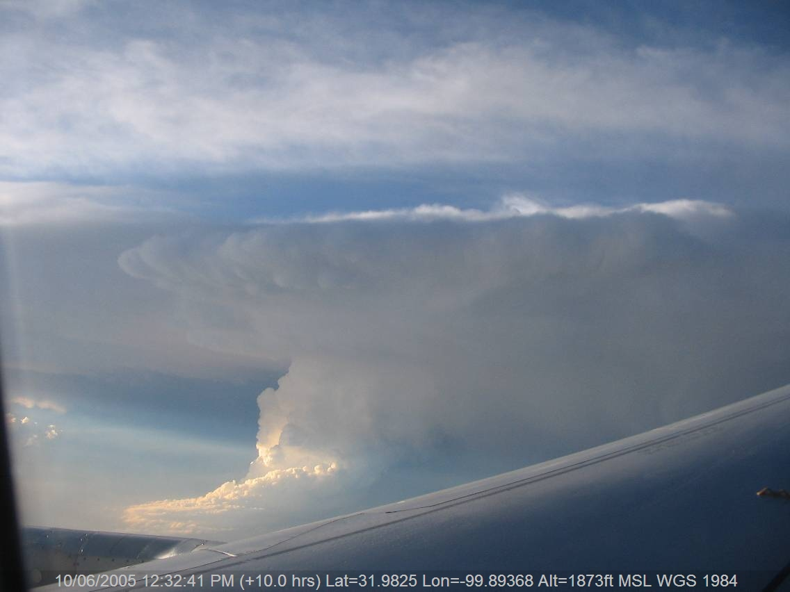 20050609jd01_thunderstorm_updrafts_above_w_texas_usa