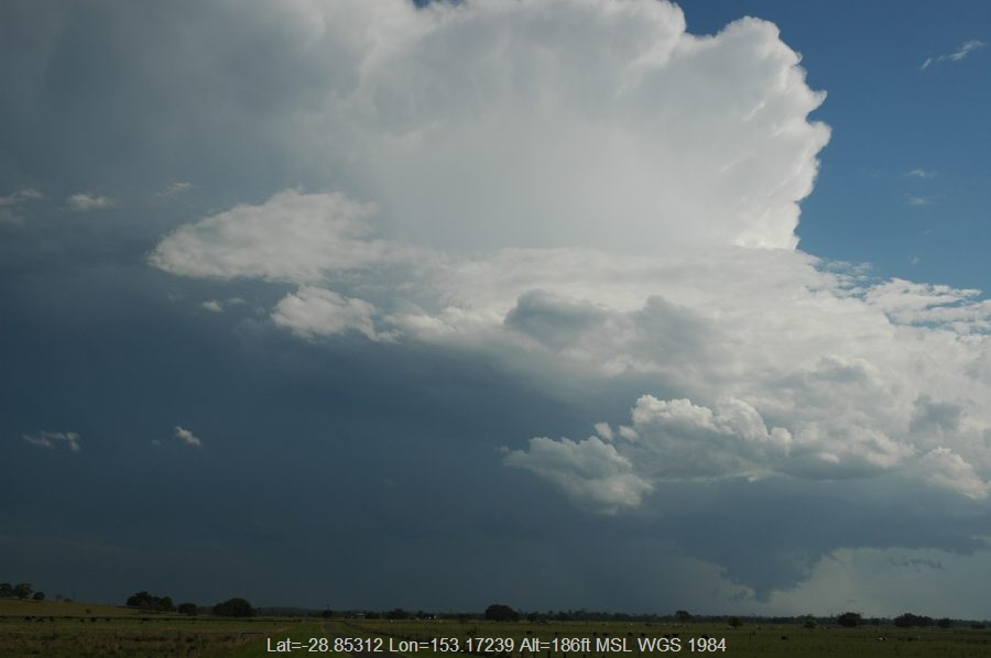 20061101mb23_thunderstorm_updrafts_mckees_hill_nsw
