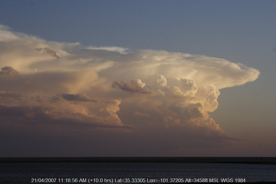 20070420jd04_thunderstorm_updrafts_near_panhandle_texas_usa