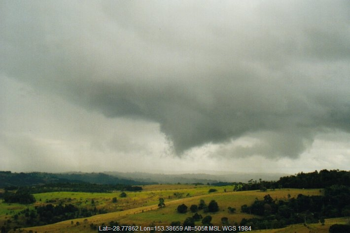 20000615mb01_funnel_tornado_waterspout_mcleans_ridges_nsw
