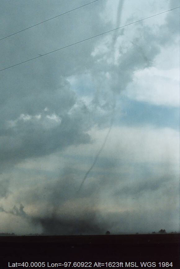 20040524jd10_funnel_tornado_waterspout_w_of_chester_nebraska_usa