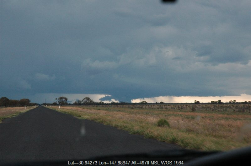 20041207mb18_funnel_tornado_waterspout_e_of_quambone_nsw