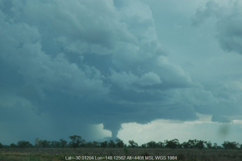 20041208mb019_funnel_tornado_waterspout_w_of_walgett_nsw