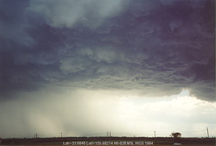 19950101jd10_thunderstorm_wall_cloud_schofields_nsw