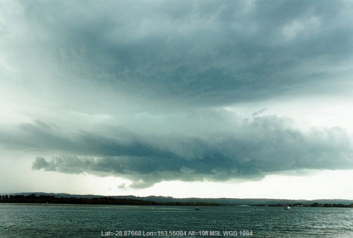 19961231mb20_thunderstorm_wall_cloud_ballina_nsw