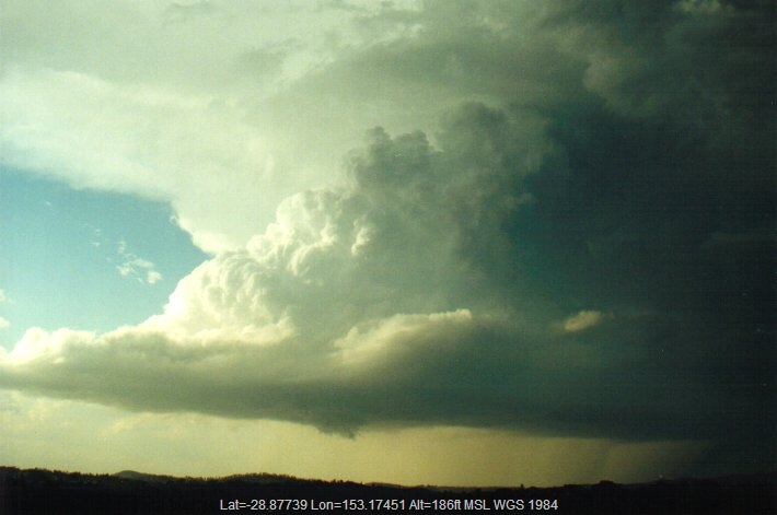 20010117mb14_thunderstorm_wall_cloud_mckees_hill_nsw