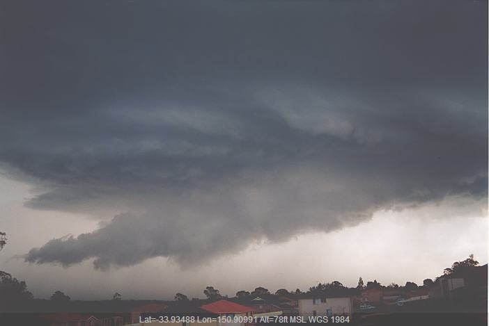 20020216jd06_thunderstorm_wall_cloud_liverpool_nsw