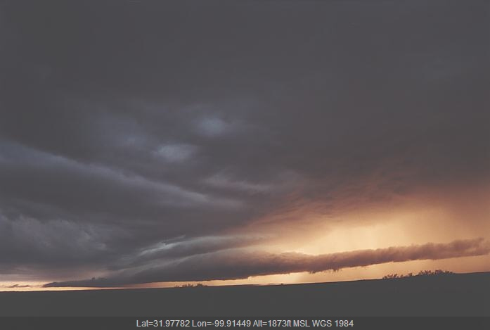 20020527jd01_thunderstorm_wall_cloud_near_shawville_texas_usa