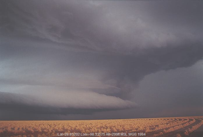 20020604jd06_thunderstorm_wall_cloud_mccoy_texas_usa