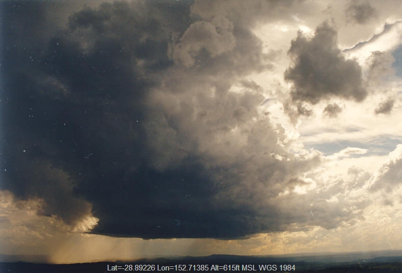 20031025mb09_thunderstorm_wall_cloud_mallanganee_nsw