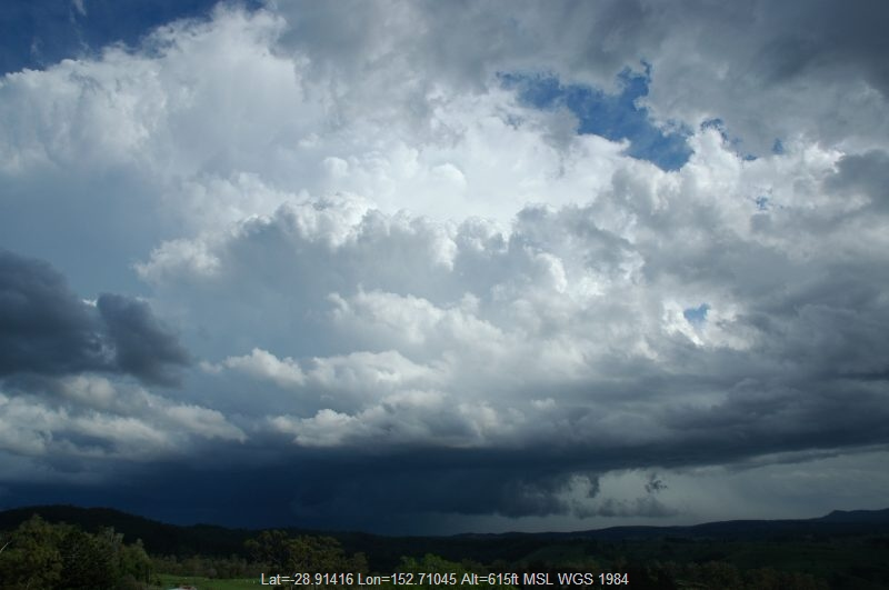 20041109mb33_thunderstorm_wall_cloud_mallanganee_nsw