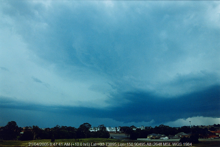 20050202jd04_thunderstorm_wall_cloud_parklea_nsw