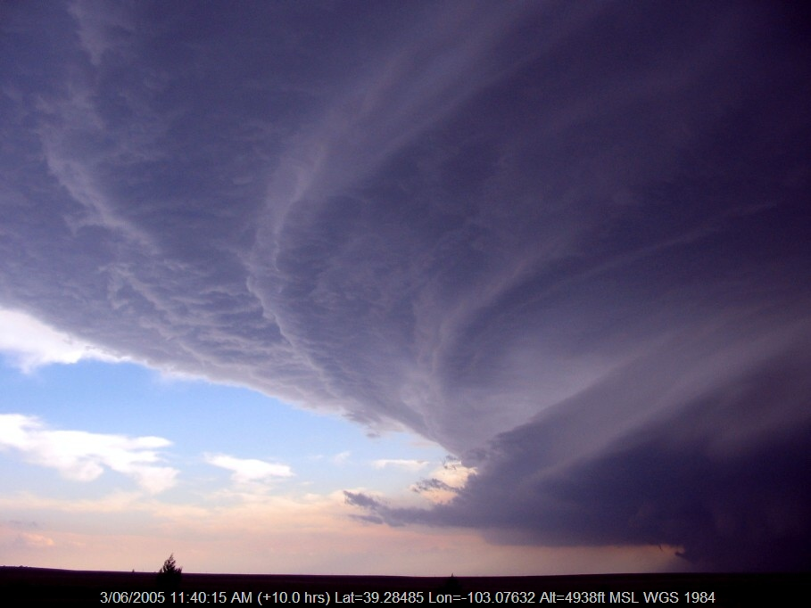 20050602jd16_thunderstorm_wall_cloud_i_70_near_flagler_colorado_usa