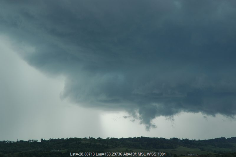 20051129mb12_thunderstorm_wall_cloud_near_lismore_nsw