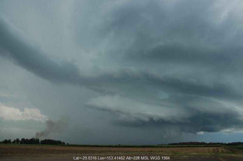 20051217mb031_thunderstorm_wall_cloud_w_of_broadwater_nsw